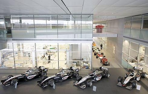 Mclaren-team-garage-17