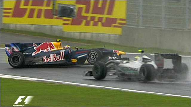 _49633218_webber_crash640